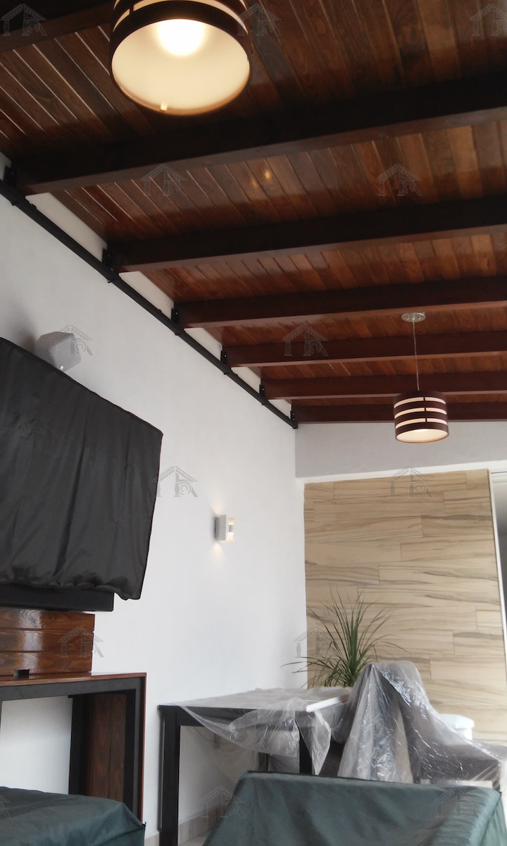Techo-Madera-Viga-Acero-Iluminacion_01.jpg